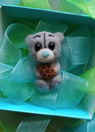 Мишка медвежнок тедди валяная брошь ручной работы сухое валяние