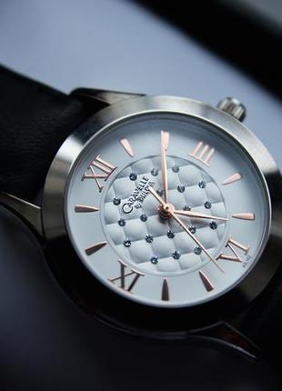 Женские часы c цирконием caravelle by bulova подарок девушке женщине