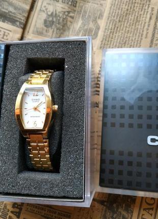 Casio женские часы, годинник
