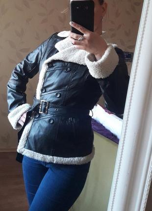 Стильная куртка-пиджак с поясом