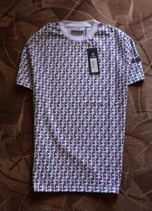 Оригинальная новая футболка fila не носилась, размер м, много логотипов