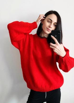 Шикарный красный сочный свитер  ручная вязка