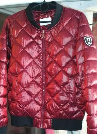 Куртка бомпер цвета бордо