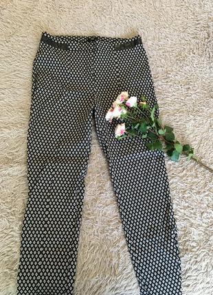 Стильні брюки в ромби f&f