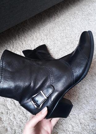 Кожаные качественные сапоги ботинки от paul green
