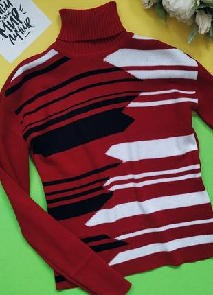 Женский яркий шерстянной свитер с воротником