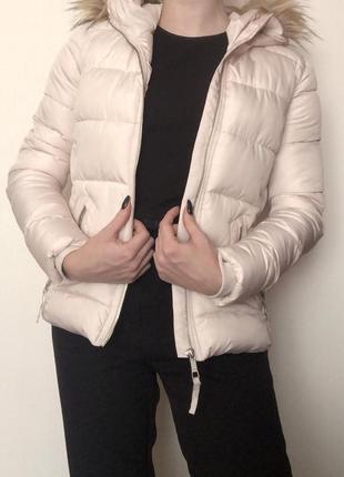 Тёплая курточка bershka
