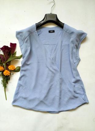 Голубая блуза с запахом
