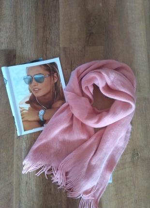 Шарф теплий розового кольору