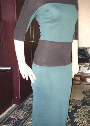 Платье прямого силуэта, облегающее