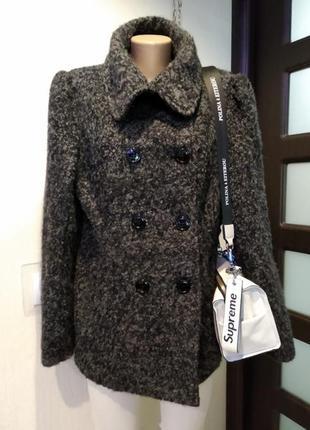 Крутое стильное брендовое теплое короткое пальто из натуральной шерсти