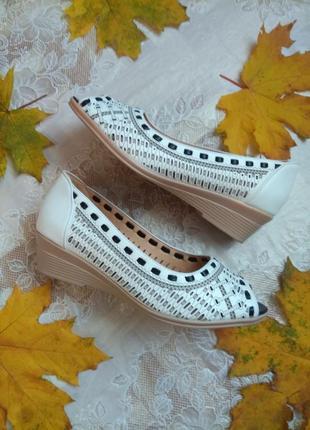 Крутые дышащие туфли балетки босоножки из экокожи