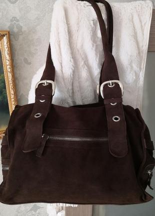 Удобная, вместительная замшевая сумка olly london