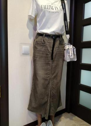 Стильная брэндовая юбка карандаш слегка клешеная снизу вельветовая