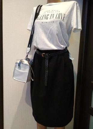 Универсальная юбка-карандаш миди прямого покроя из 100% шерсти