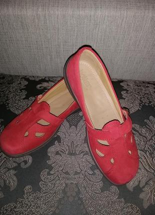 Продам туфли женские hotter