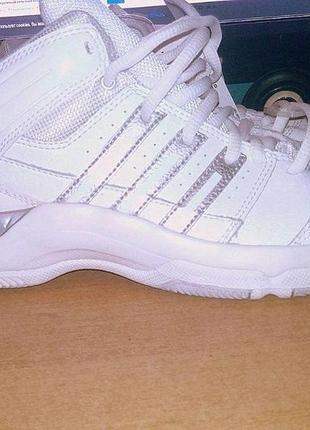 Новые оригинальные баскетбольные кроссовки adidas