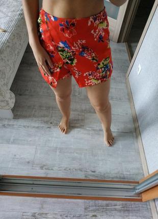 Новые красивые шорты шорты-юбка в цветы