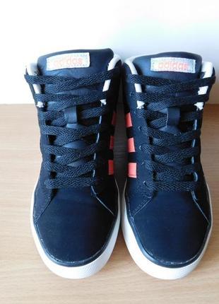 Кроссовки ботинки adidas 34 р. стелька 21,5 см