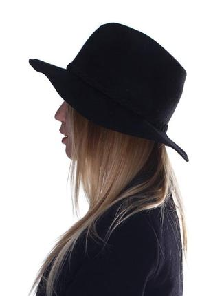 Стильний чорний капелюх h&m, р.56см