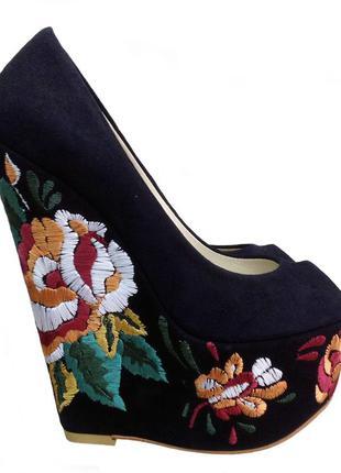 Туфли с вышивкой pier lucci