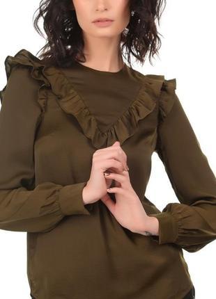 Блуза с рюшей хаки оливка хаки свободного кроя h&m