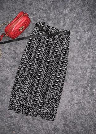 Летняя юбка черно белая  бренд всеми известен fabiani  размер 42