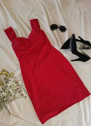 Красное сексуальное платье с вставной чашкой