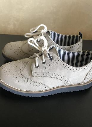 Туфлі/броги для хлопчика h&m розмір 28 10,5
