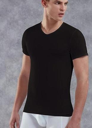Базовая чёрня футболка р. евро 48-50 м livergy германия