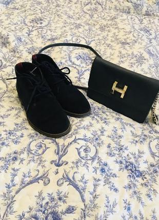 Темно-синие замшевые ботинки tommy hilfiger