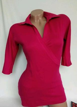 Насыщенно розовая футболка в рубчик рукав 1/2, на запахр. m-xl, от marc cain