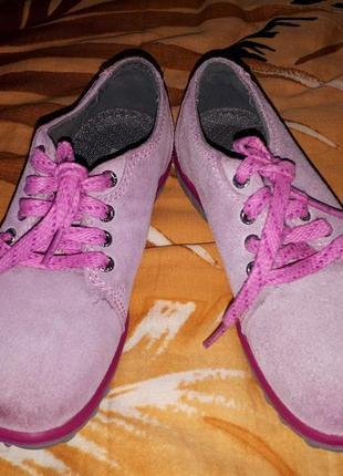 Замшевые туфли ботинки для девочки bogs размер 26