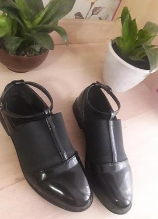 Туфлі,ботінки жіночі