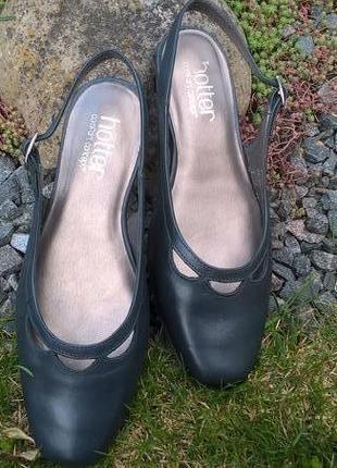 Женские летние (босоножки) туфли  фирмы hotter