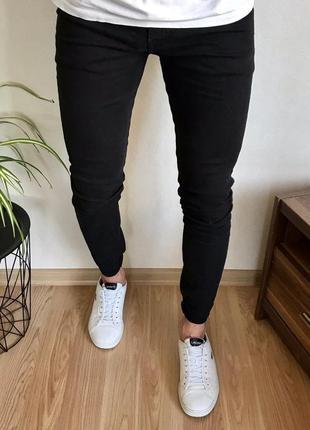 Чёрные зауженные мужские джинсы h&m