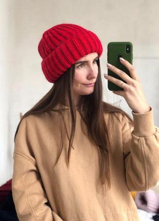 Новая стильная объемная шапка цве красный