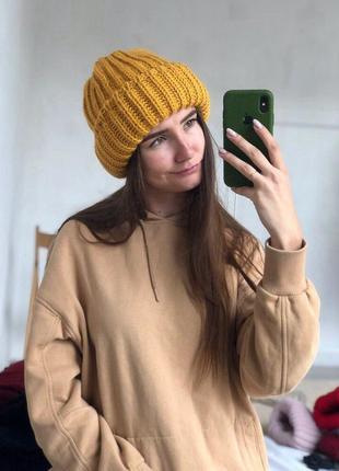Новая стильная объемная шапка цвет горчичный