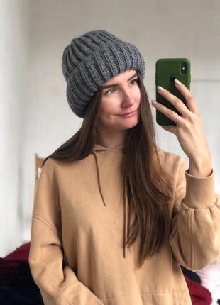 Новая стильная объемная шапка цвет серый