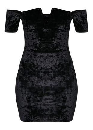Бархатное платье с вырезом prettylittlething
