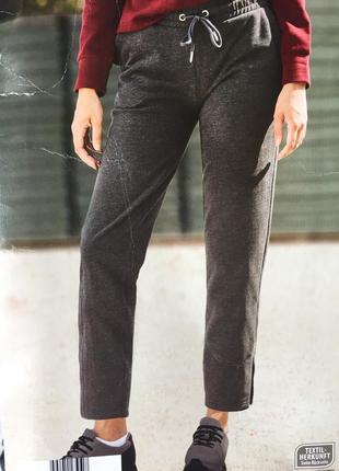 Спортивные штаны на флисе брюки укороченные типа бриджи