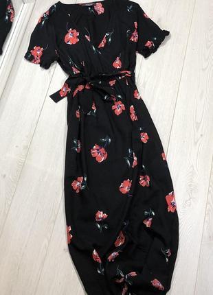 Шикарное платье с имитацией на запах в цветочный принт