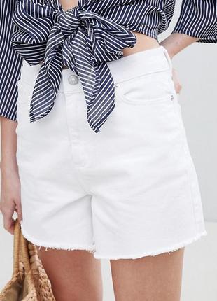 Шикарные белые джинсовые шорты new look