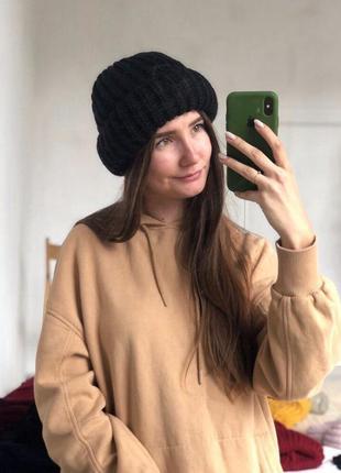 Новая стильная объемная шапка цвет черный