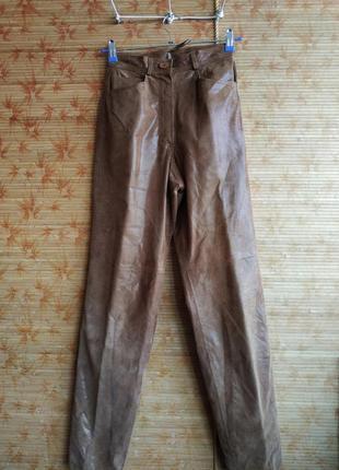 Стильные брюки из мягкой кожи