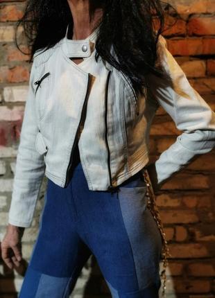 Куртка джинсовая косуха с заклепками vila