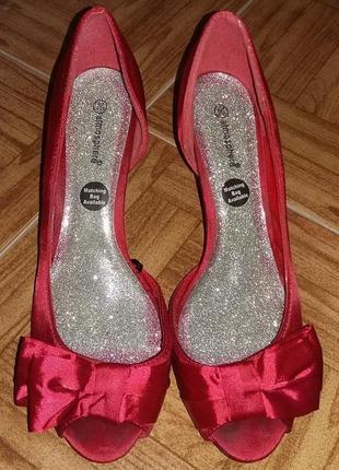 Туфли красные нарядные atmosphere
