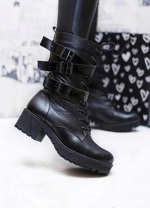 Крутейшие зимние сапоги ботинки из натуральной кожи с пряжками и шнуровкой