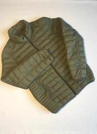 Чоловіча демосезонна куртка в ідеальному стані. розмір м.