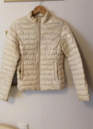 Куртка осенняя , ветровка